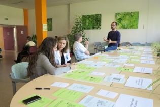 séance collaborative entre le Labo des usages et les professionnels de l'hôpital de jour Saint François autour du projet Bon séjour