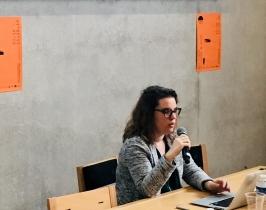 Colloque couleur et soin. Estelle Guerry, designer coloriste, Université de Toulouse. Décembre 2019, ENSAD Nancy. Crédit photo : La Fabrique de l'hospitalité.